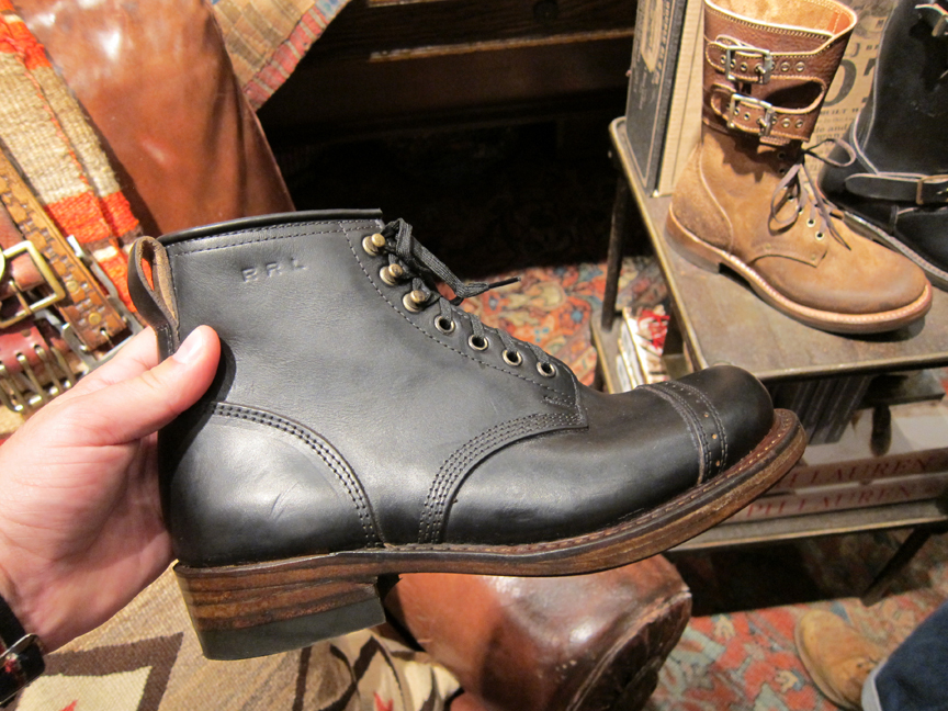 http://www.acontinuouslean.com/wp-content/gallery/rrl-72nd-street/rrl_72nd_mens_11.jpg
