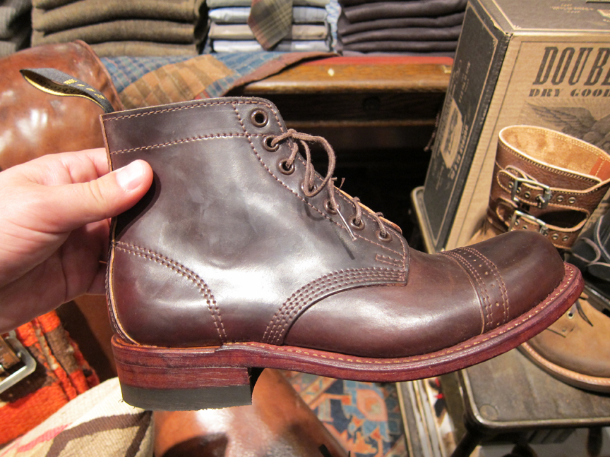 http://www.acontinuouslean.com/wp-content/gallery/rrl-72nd-street/rrl_72nd_mens_12.jpg