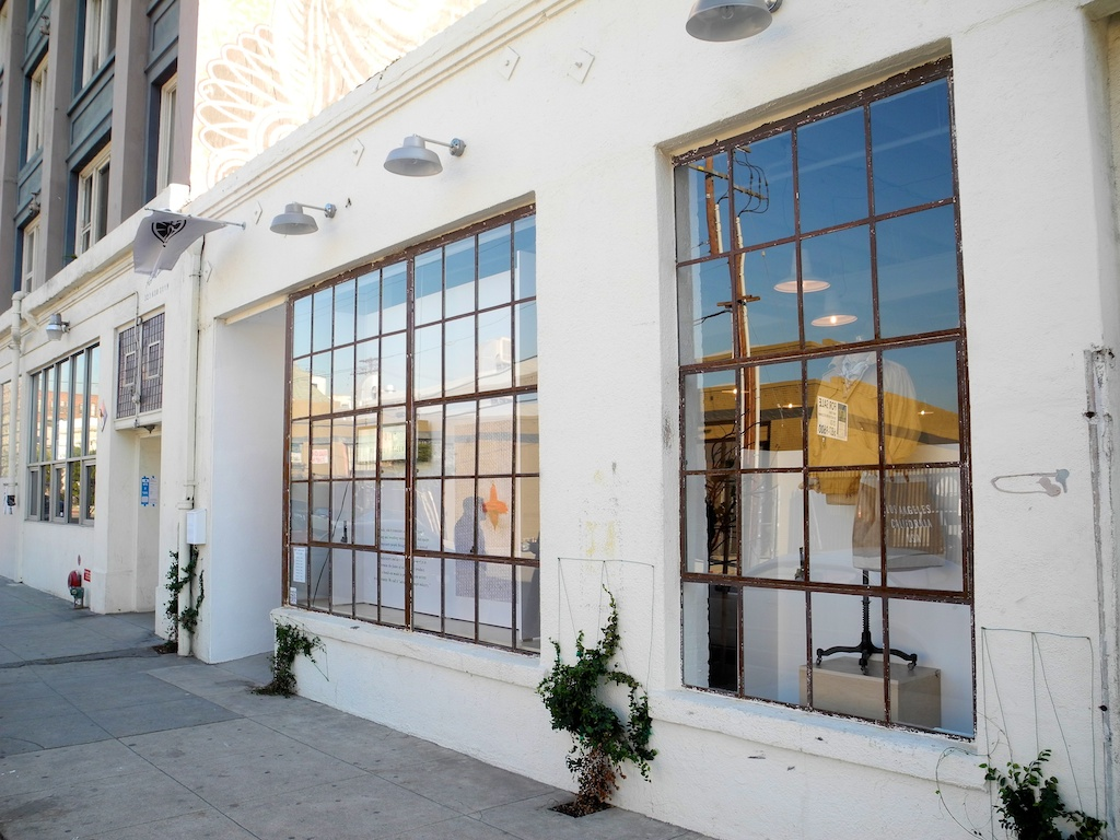 Art Gallery Calendar Los Angeles : Shopping l a apolis common gallery continuous lean