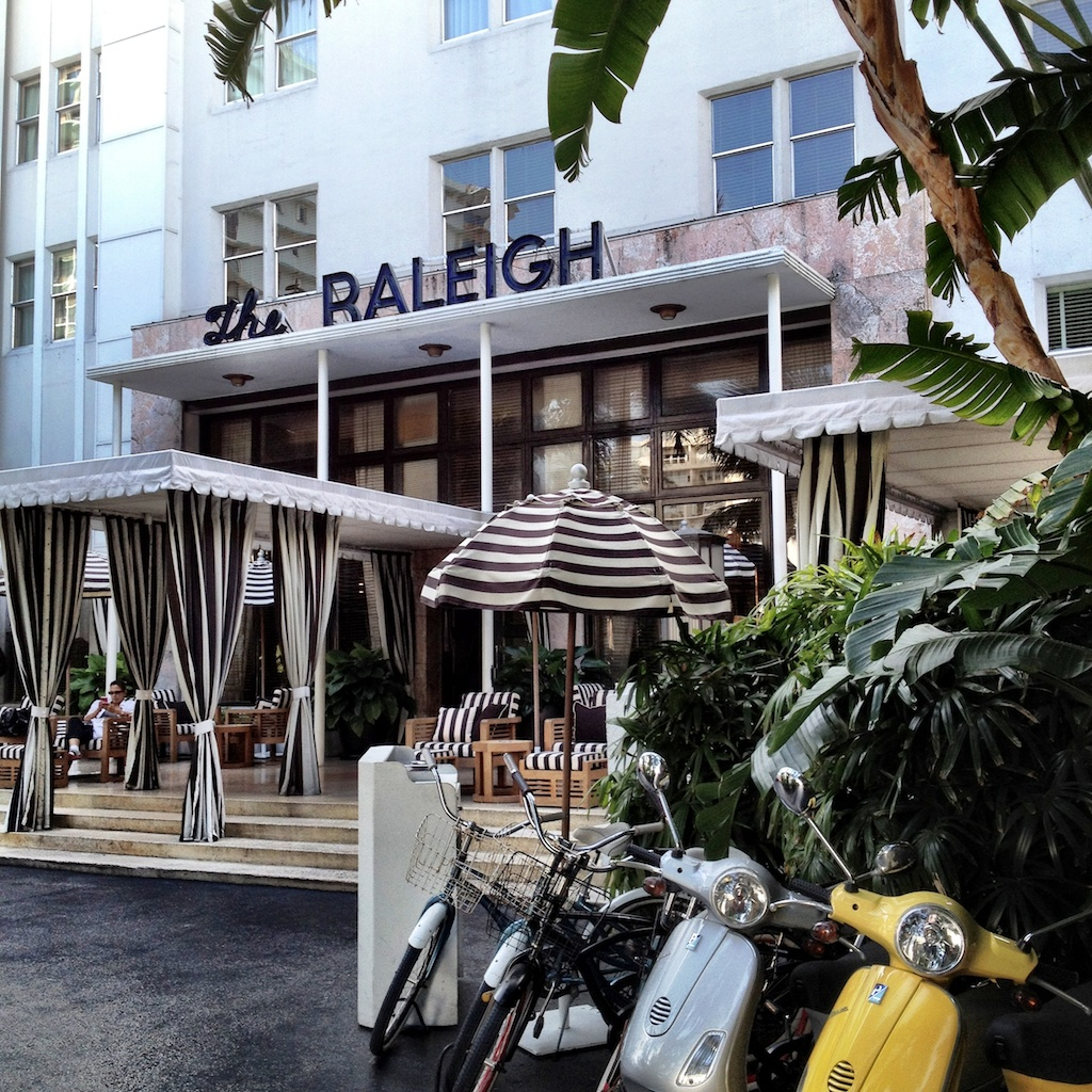 Miami beach the raleigh hotel cabana club pinterest for Raleigh hotel miami restaurant