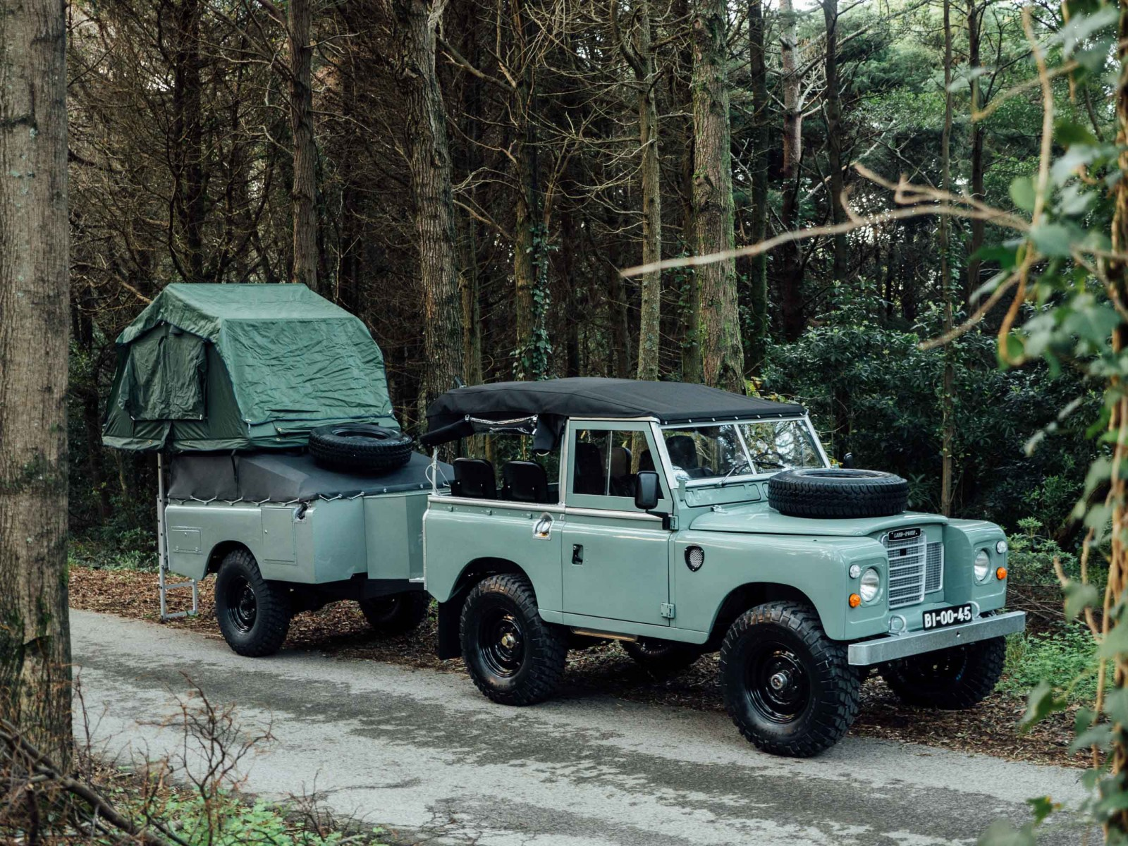 Land-Rover-1600x1200